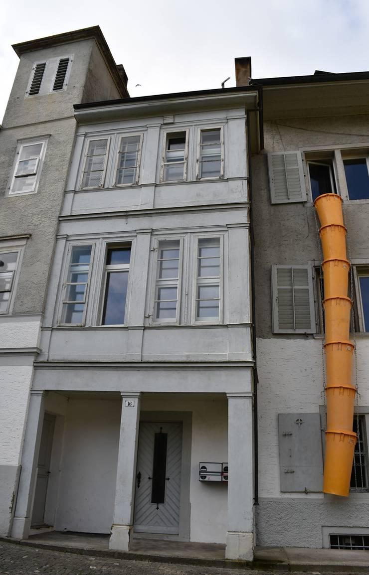 Im Innern der Liegenschaft haben die Bauarbeiter ihre Arbeit aufgenommen.