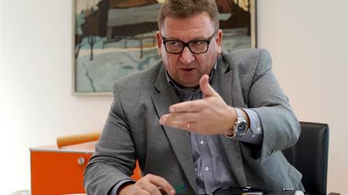 Den unerfreulichen Jahresanfang 2014 habe das Spital trotz zuletzt guter Zahlen nicht mehr aufholen können, erklärt Kantonsspital-Chef Jürg Aebi.