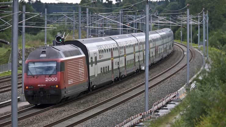 Die Bahnstrecke Olten-Bern war am Donnerstagmorgen unterbrochen. Die Ursache ist ein Personenunfall bei Wanzwil-Rothrist.