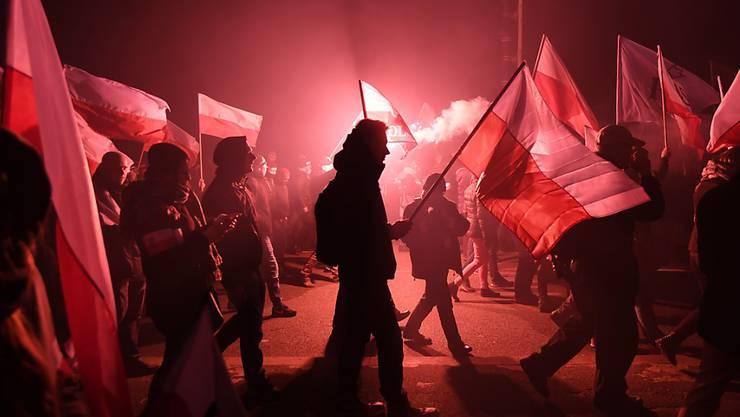 Polnische Nationalisten bei einem Marsch zum Nationalfeiertag.