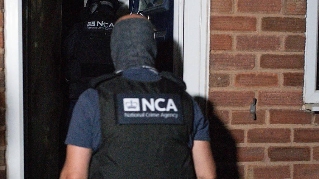 Polizei knackt Chat-Netzwerk von Kriminellen – Hunderte Festnahmen