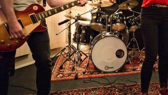 Der Proberaum bildet für viele Musiker ein Rückzugsort. (Symbolbild)