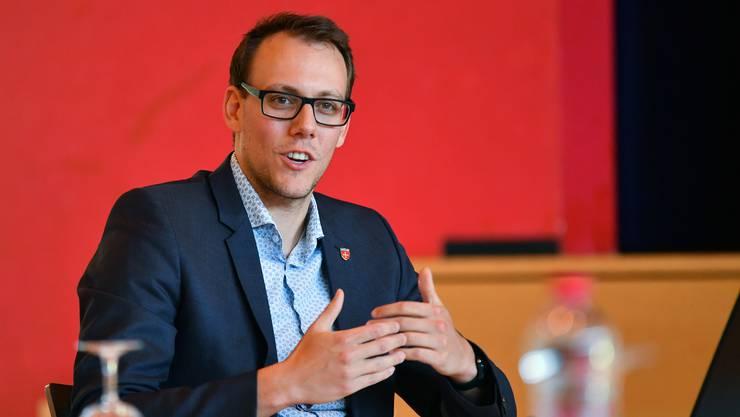 Gemeinderatssitzung in Oensingen mit Gemeindepräsident Fabian Gloor.