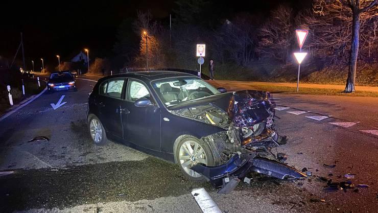 Der BMW-Fahrer übersah den stehenden Opel.
