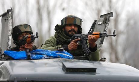 High Noon im Himalaja: Indien und Pakistan streiten um Bergregion Kaschmir