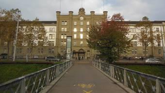 Am Sonntagabend fand ein Mitarbeiter den Häftling tot in seiner Zelle im Zürcher Polizeigefängnis vor. (Archiv)