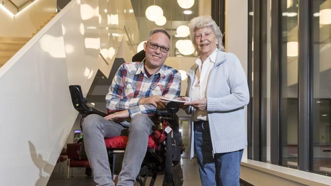 Letztes Jahr wurde Margrit Gähwiler zur Limmattalerin des Jahres gewählt. Ihren Preis, ein Gutschein für eine Übernachtung auf dem Stoos, schenkte sie SP-Gemeinderat Roger Seger, der bei der Wahl auf dem zweiten Platz landete.