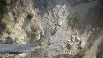 Die Trümmer des abgestürzten Felsens im Wallis (Bild: Kapo Wallis)