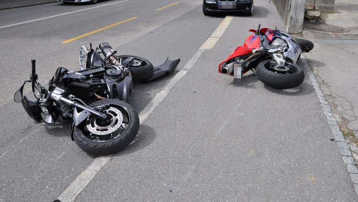 Bei der Motorradkollision zwischen Olten und Starrkirch-Wil mussten die Beteiligten ins Spital gebracht werden.