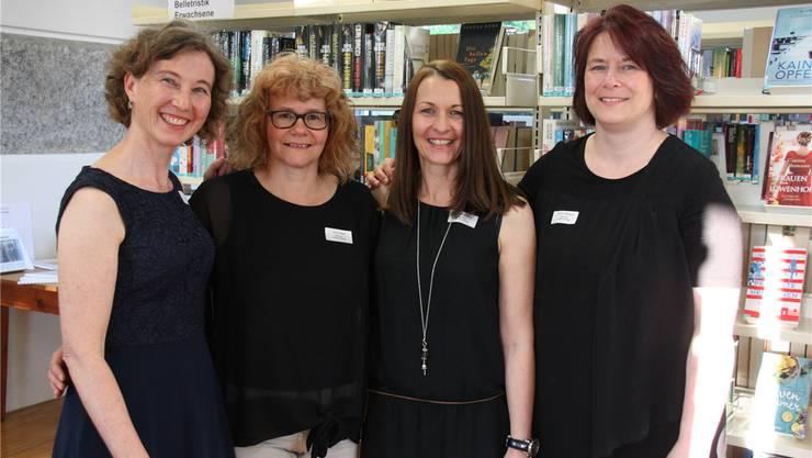 Das Bibliotheks-Team mit Leiterin Manuela Lo, Sabine Bolliger, Daniela Wassmer, Yvonne Fankhauser (v.l.).