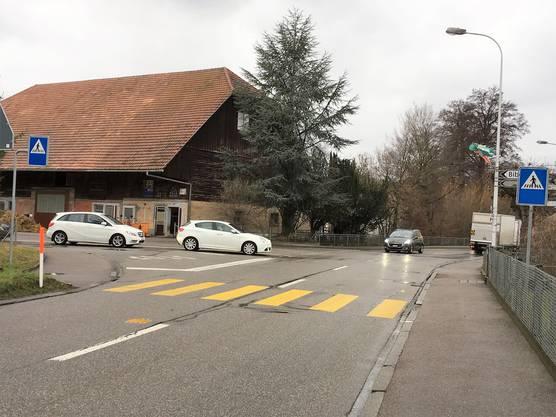 Bei der Biberiststrasse ist ein Mini-Kreisel geplant. Der Fussgängerstreifen wird in den Norden verschoben.