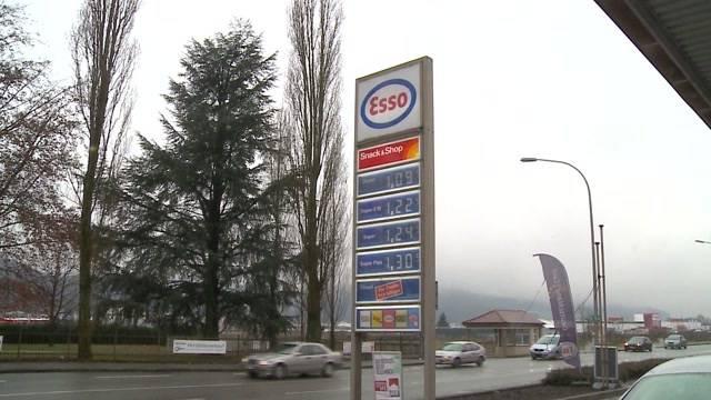 Schweizer tanken im Dieselparadies Deutschland