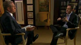 NBC-Moderator Brian Williams (links) interviewt Edward Snowden in einem Moskauer Hotel.