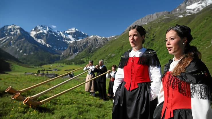Heimatgefühle im sind Trend: In der Schweiz wenden sich die Menschen den Brauchtümern zu. Davon profitiert auch die Jodler-Gemeinschaft. swiss-image.ch/Andy Mettler