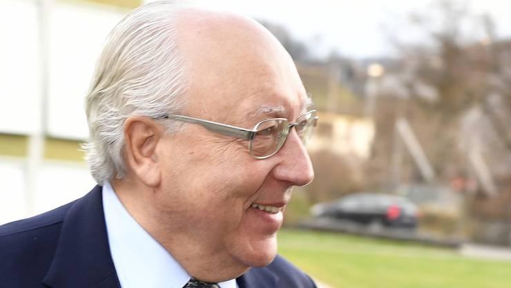 Das Bezirksgericht Bülach verurteilt Dolder-Besitzer und Kunstsammler Urs E. Schwarzenbach zu einer Busse von 4 Millionen Franken. Der 69-Jährige will das Urteil weiterziehen. (Archivbild)