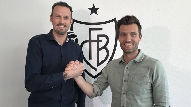 Raphael Wicky (hier rechts, zusammen mit Sportchef Marco Streller) wird neuer Trainer des FC Basel.