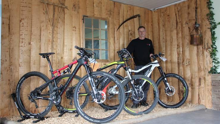 Markus Erb gibt den X-Dreambike-Laden an der Baslerstrasse in Umiken auf. Den Service und Verkauf von Elektro-Mountainbikes will er weiterführen. CM