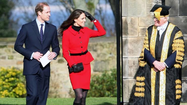Kate und William mit dem Rektor der Universität St. Andrews