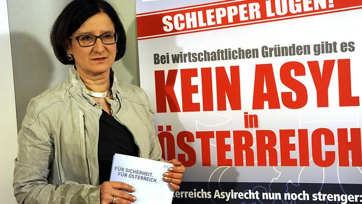 Innenminister Mikl-Leitner: Österreich startete auch eine Informationskampagne in Herkunftsstaaten, um Wirtschaftsmigranten von der Reise nach Österreich abzuhalten. (Archivbild)