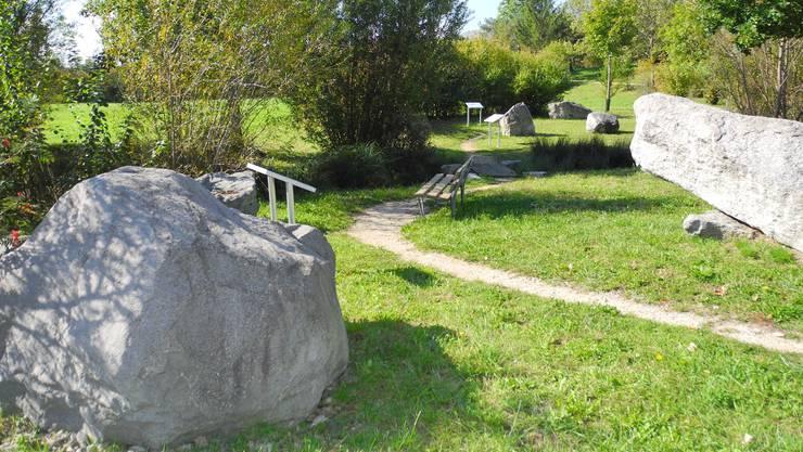 Beispiel aus dem Tourismusangebot: Der Findlingspark ist auch im Herbst einen Besuch wert. Foto: om