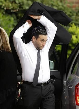 Alex, der Bruder von Amy Winehouse, bei der Beerdigung
