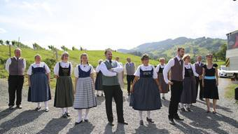Ein teil der Volkstanzgruppe Eggenwil