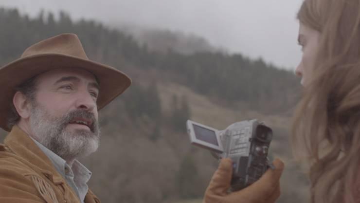 """Jean Dujardin spielt die Hauptrolle im Film """"Le Daim"""", mit dem das 19. Neuchâtel International Fantastic Film Festival eröffnet wird. Der Oscar-Preisträger wird selbst an der Eröffnung am heutigen Freitag anwesend sein."""