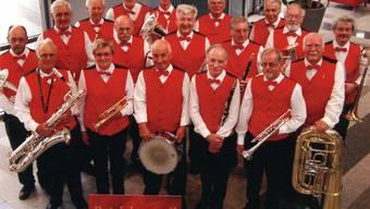 BM Chocolat Frey: Hans Baur spielt die Tuba (2. Reihe rechts). (mas)