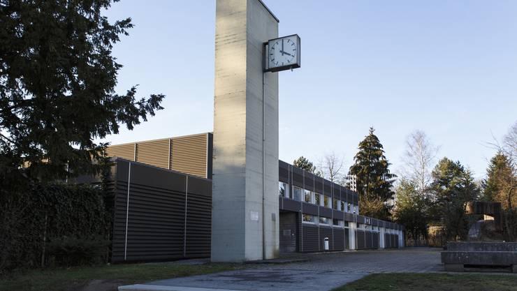 Auch eine Projektidee der Schülerinnen und Schüler: Am Uhrenturm der Schule soll auf der Rückseite eine Kletterwand montiert werden.