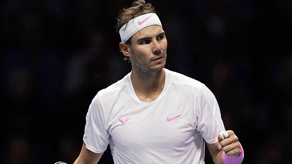 Für seinen Kampfgeist belohnt: Rafael Nadal holte gegen Daniil Medwedew einen 1:5-Rückstand im dritten Satz und gewann die Partie noch
