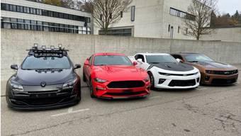Diese vier Fahrzeuge wurden sichergestellt, da sie übermässigen Lärm verursachten.