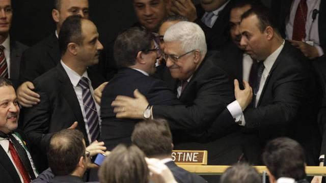 Ein jubelnder Mahmud Abbas nach der Anerkennung Palästinas als Beobachterstaat innerhalb der UNO