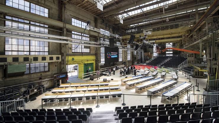 Blick in die Halle während einer Medienkonferenz zur 100-Jahr-Feier Proporzwahlrecht in der Halle 53 in Winterthur.