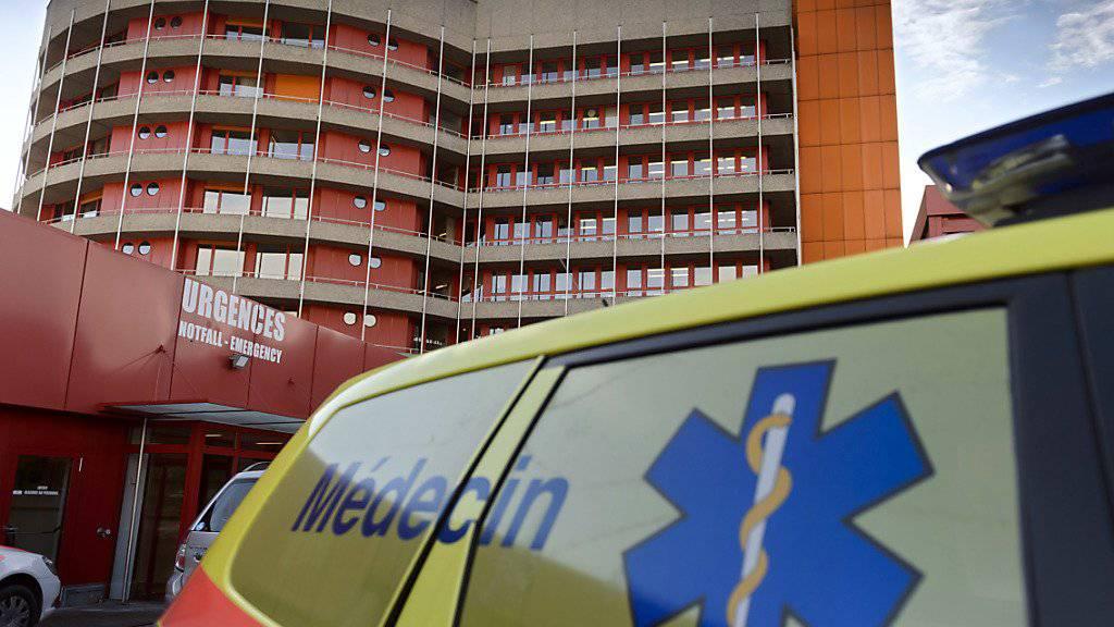 Die 662 Betten des Spital von Sitten sind wegen der Grippe-Epidemie seit Tagen restlos belegt. (Archivbild)