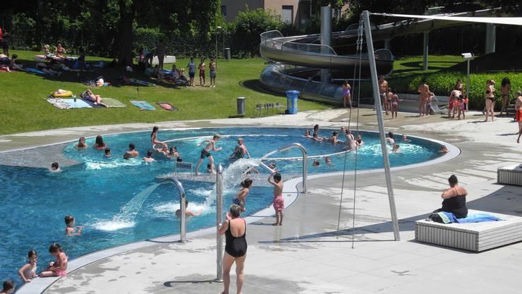 Das Hallen- und Freibad Fondli in Dietikon konnte bis Mitte Juli 57 542 Gäste begrüssen. (Hae)