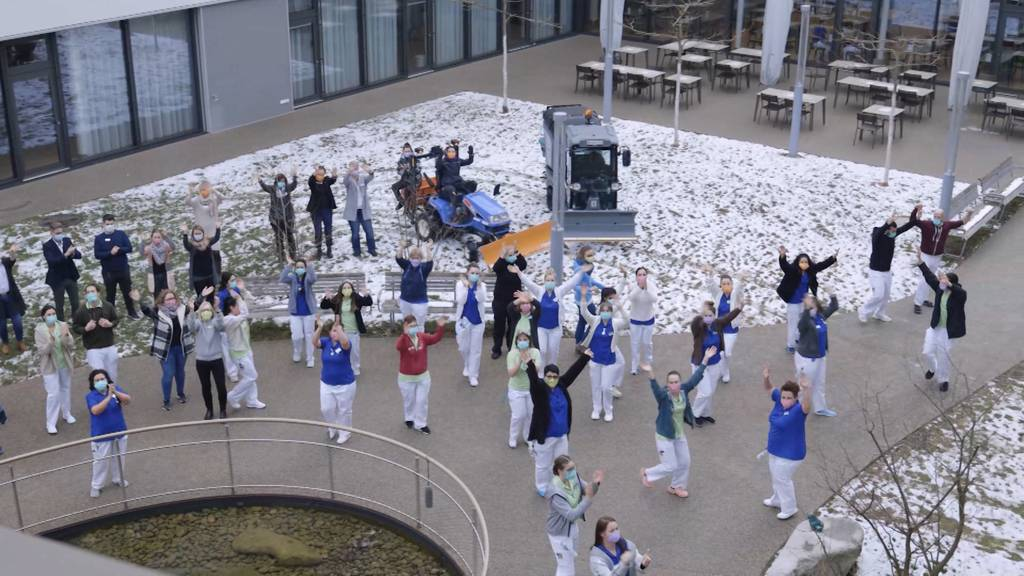 """Pflegezentrum Süssbach meistert die """"Jerusalema-Challenge"""""""