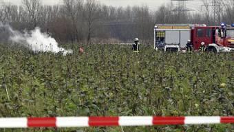 Beim Zusammenstoss eines Kleinflugzeugs mit einem Helikopter in Süddeutschland starben zwei Schweizer und zwei Deutsche.