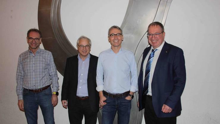 Spannende Referate gab es von den Herren Stephan Kämpfen (Links), Werner Leuthard (2.v. li), Norbert Kräuchi, alle vom BVU des Kantons. Ganz rechts, Markus Blättler, Geschäftsführer SWL Energie AG, der den Event moderierte.