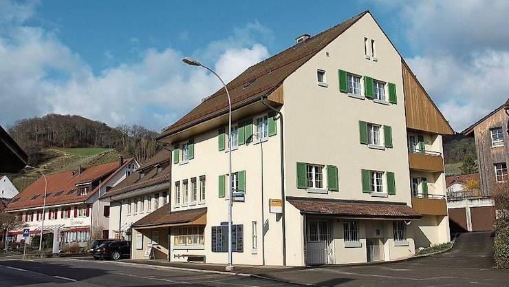 Die Postfiliale in Schinznach-Dorf befindet sich neben der Bank an der Oberdorfstrasse 6.