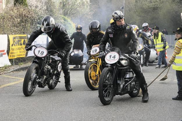 Motorräder aus der ersten Hälfte des letzten Jahrhunderts,