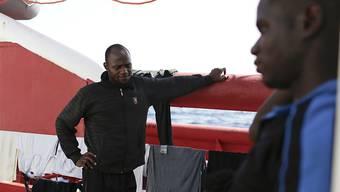 """Das Rettungsschiff """"Ocean Viking"""" hat bei einem neuen Einsatz vor der libyschen Küsten 48 Bootsflüchtlinge an Bord genommen. Unter ihnen seien Frauen, sehr junge Kinder und ein Neugeborenes, teilte die Hilfsorganisation SOS Méditerranée mit. (Archivbild)"""