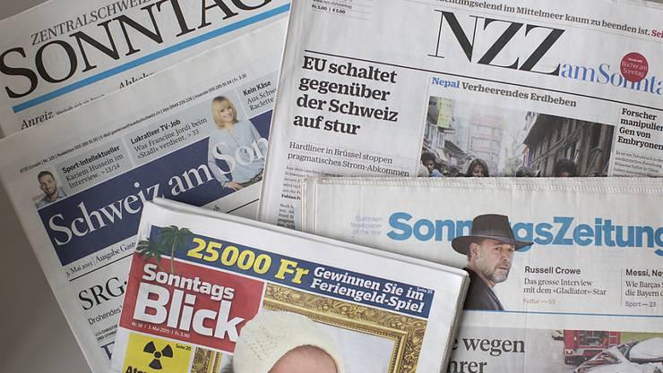 Eine Auswahl der Schweizer Sonntagszeitungen (Archivbild).