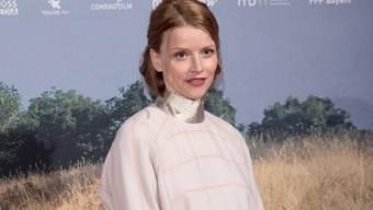 Die Schauspielerin Karoline Schuch musste als Kind in die Kur, weil sie klein gewachsen war. Das fand sie so schlimm wie ein Leben im Kloster. (Archiv)