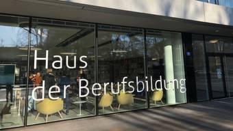 Das Haus der Berufsbildung eröffnet an der Rosentalstrasse 17.