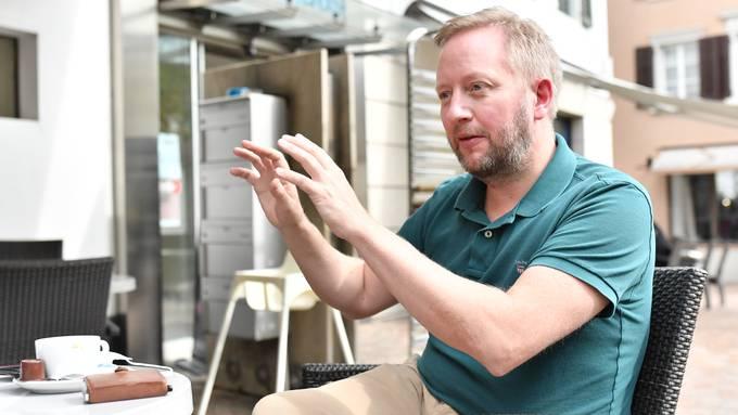 EHC-Olten-Trainer Fredrik Söderström während des Interviews in der Suteria.