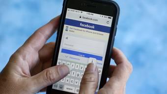 Womöglich E-Mail-Kontakte von 1,5 Millionen Nutzern unabsichtlich hochgeladen: Facebook machte vergangene Woche eine unerlaubte Speicherung von Nutzerdaten öffentlich. (Symbolbild)