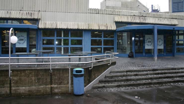 Auf Anfang Jahr wurden in der Mensa der Kantonsschule Limmattal die Preise erhöht.