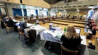 """Gemeinderat Grenchen in """"Corona-Formatiion"""" im Parktheater"""