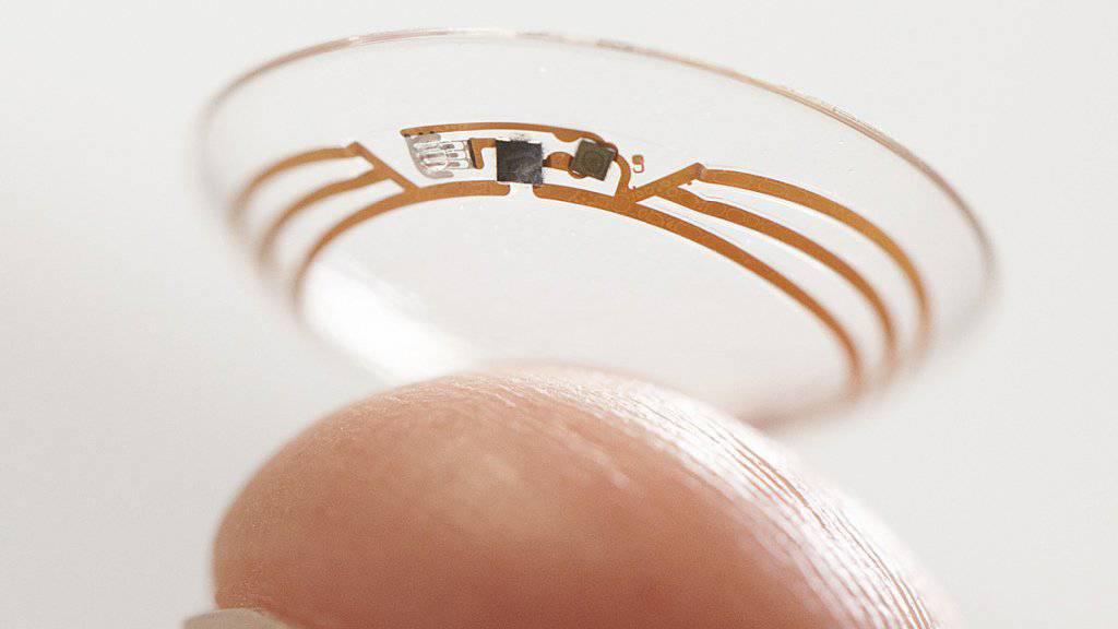 Diese Linse präsentierte Google 2014: Sie misst den Glukose-Gehalt der Augenflüssigkeit.