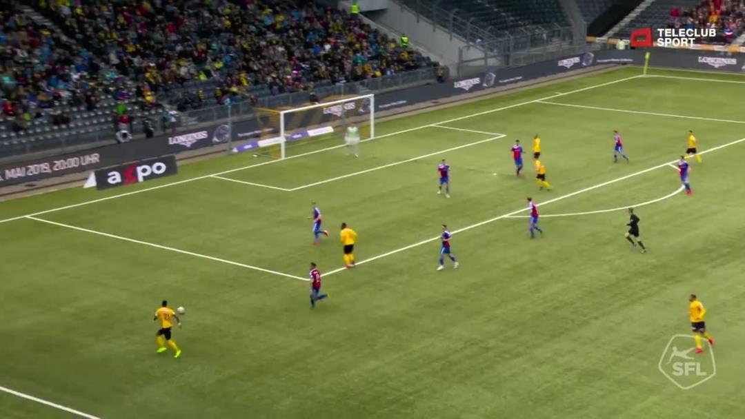 Super League, 2018/19, 33. Runde, YB - FC Basel, 16. Minute: Pfostenschuss durch Christian Fassnacht.